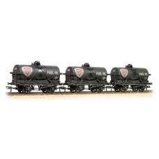 Triple Pack 14 Ton Tank Wagons Large Filler Fina   Weathered