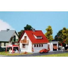 Hobby   Development House Ii